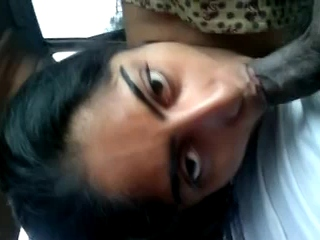 Dp fhg 711. Indian housewife on a picnic gulp her hubby penish in car