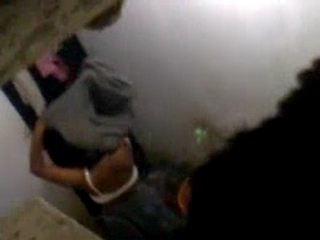 Dp fhg 826. Neighbour bhabhi in shower recorded by neighbor from window