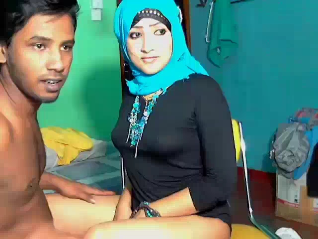Dp fhg 899. Srilankan married couple on live cam blowjob and make love