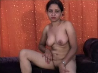 Dp fhg 492. Horny girl showing her boobs